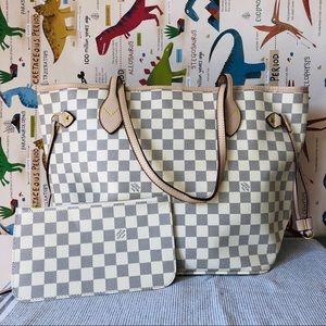 Louis Vuitton 12.6 x 11.4 x 6.7 White